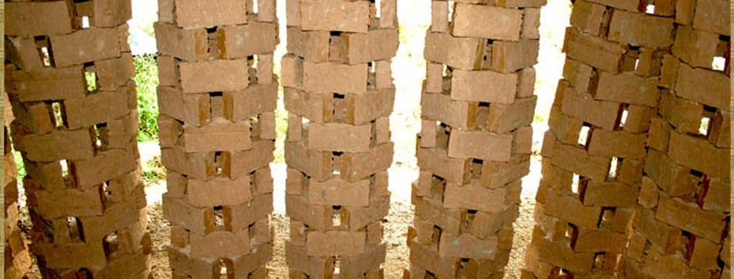 Excremento humano podría usarse para hacer ladrillos, proponen