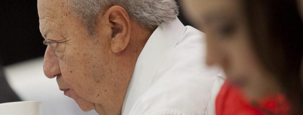 Hacienda demanda a Romero Deschamps ante la FGR por lavado de dinero