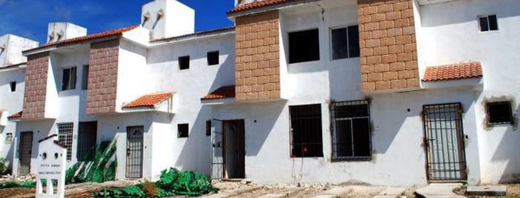 Fox y Calderón provocaron caos de vivienda; hay 654 mil abandonadas