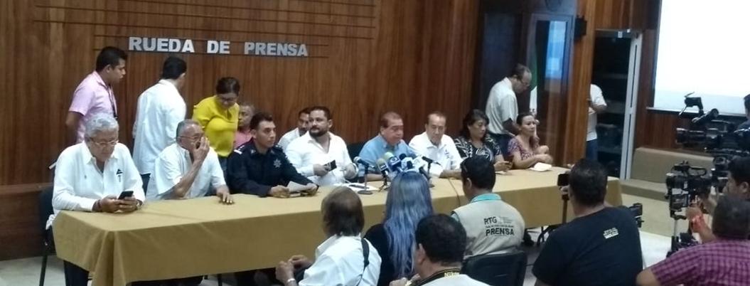"""""""Xaltianguis debe confiar en policía para lograr la paz"""": Manzano"""