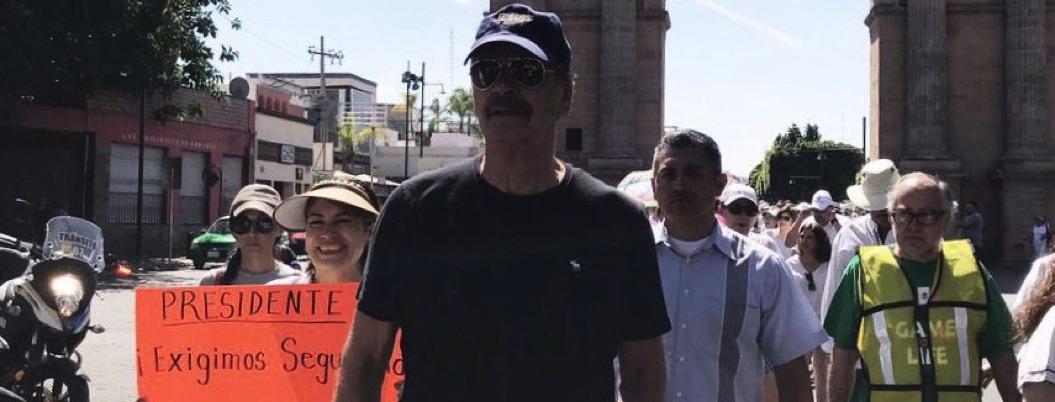 Detestan a Fox hasta en marcha contra AMLO; le piden que se retire