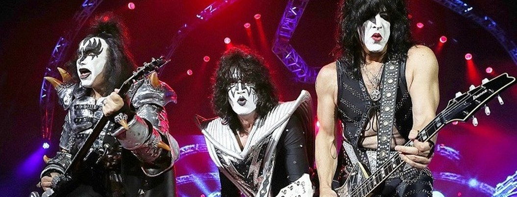 Niño de ocho años vendió paletas para ver a Kiss en la CDMX