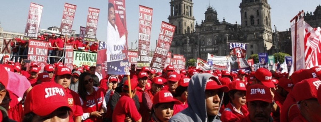 Sindicatos toman el Zócalo de la CDMX por el Día del Trabajo