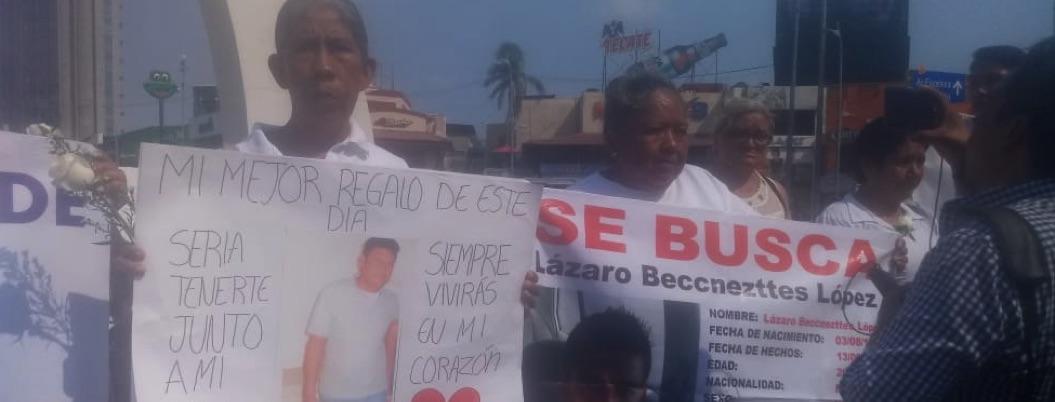 Madres de desaparecidos marchan en Acapulco; exigen su aparición