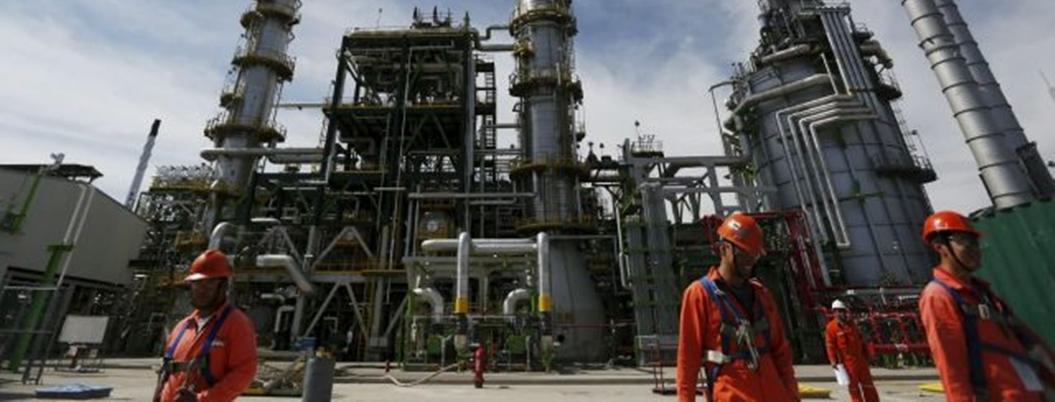 Trabajadores de Pemex obtienen incremento salarial del 3.37%