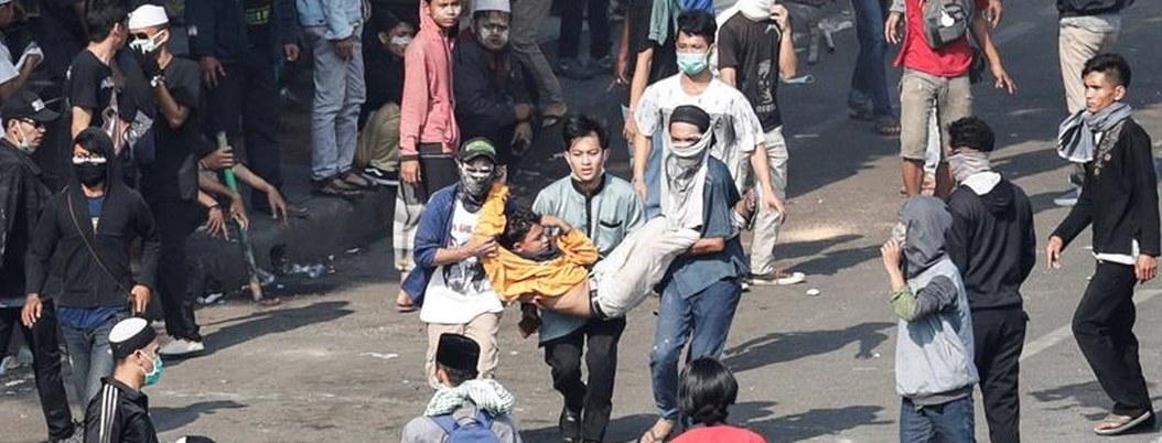 Mueren 6 por protestas violentas en Indonesia tras elección de Widodo