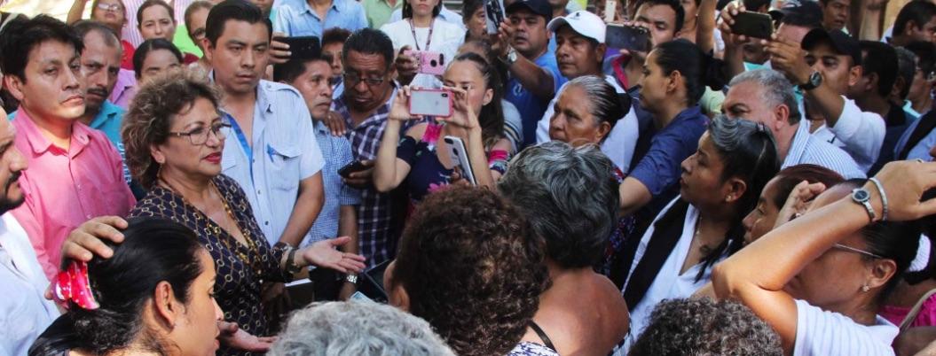 Adela Román, abierta al diálogo para superar el paro de trabajadores