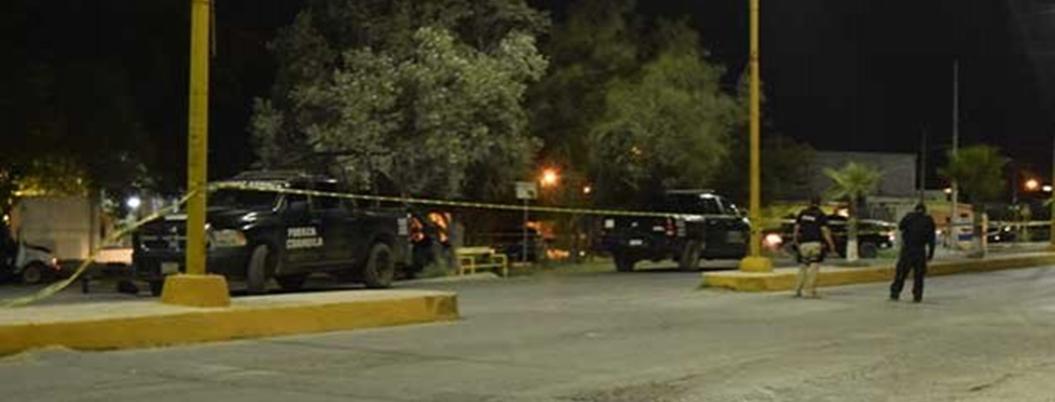 Policías abaten a tres sicarios durante balacera en Monclova