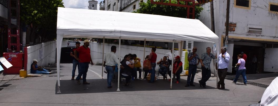 Comerciantes se desesperan ante bloqueos constantes en Chilpancingo