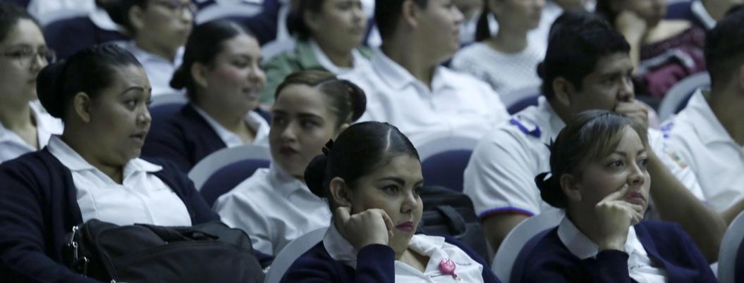 AMLO pretende homologar salarios de trabajadores de Educación y Salud