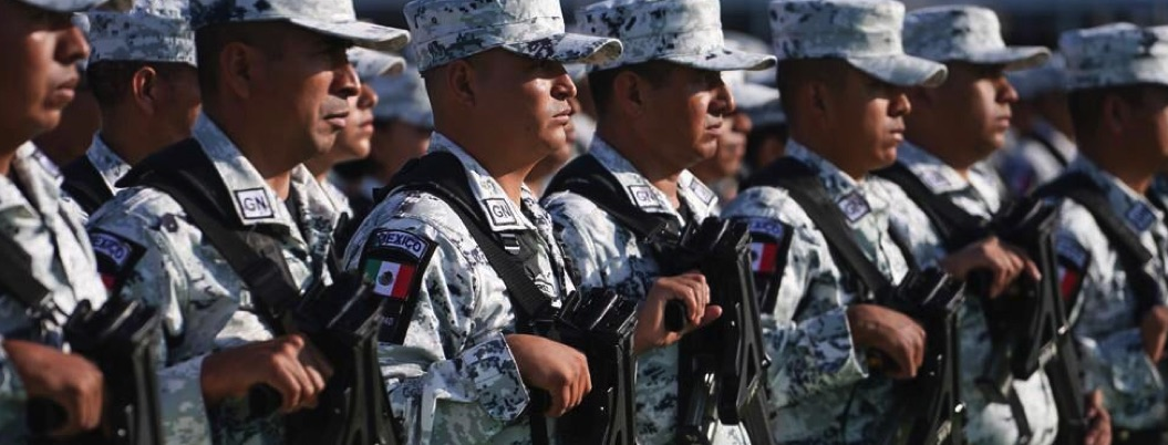 Capturan a tres por vender insignias de la Guardia Nacional