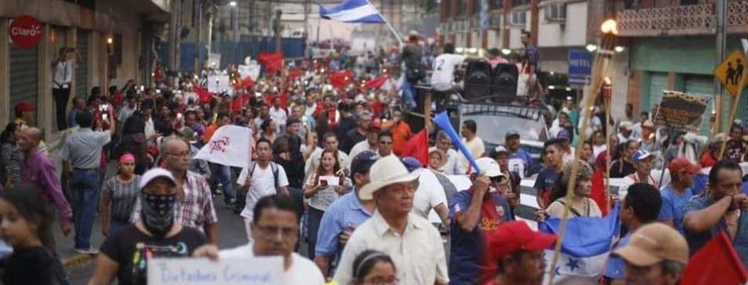 Hondureños protestan en las calles; exigen mejor educación y salud