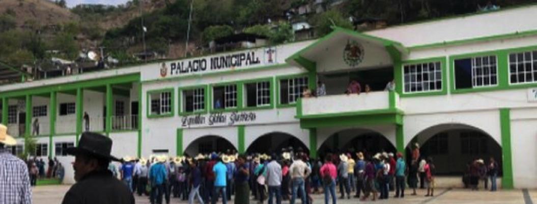 Delegado regional y alcalde cumplen 24 horas retenidos por campesinos