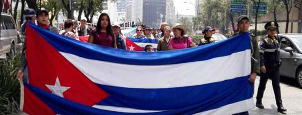 Marchan en la CDMX por bloqueo de Trump contra Cuba