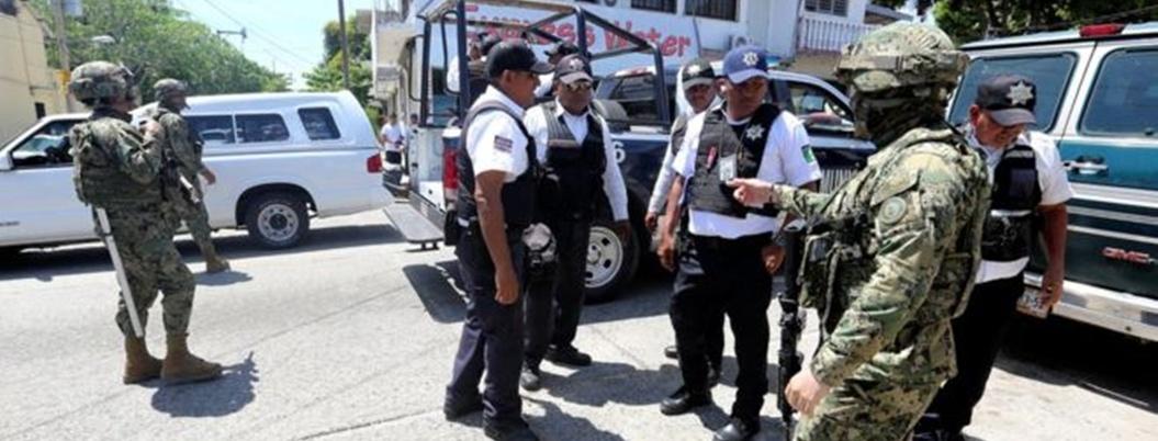 """""""Policías de Acapulco no me dan confianza"""": comandante de la Marina"""