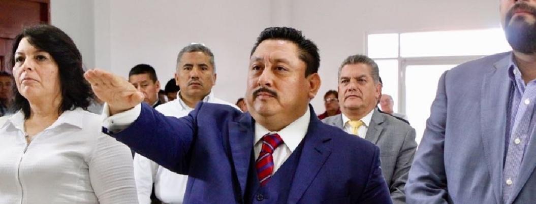 """Uriel Carmona se defiende: """"continúa investigación de fosas"""""""