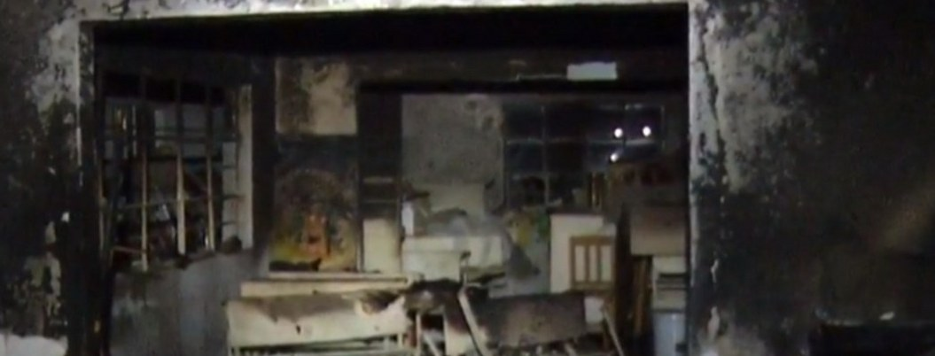 Incendian casa de la CDMX con anciana adentro; vecinos la rescatan