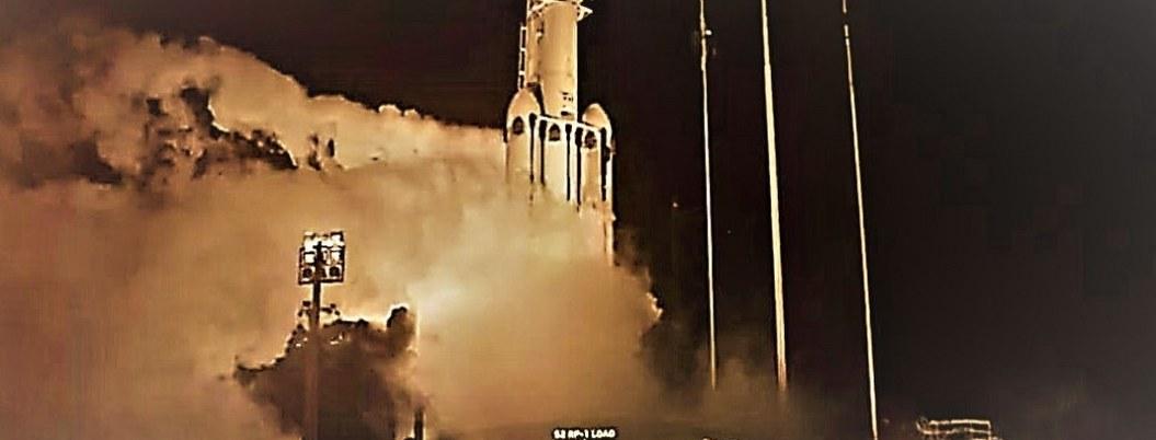 Lanzan al espacio Falcon con 24 satélites y cenizas de 152 personas