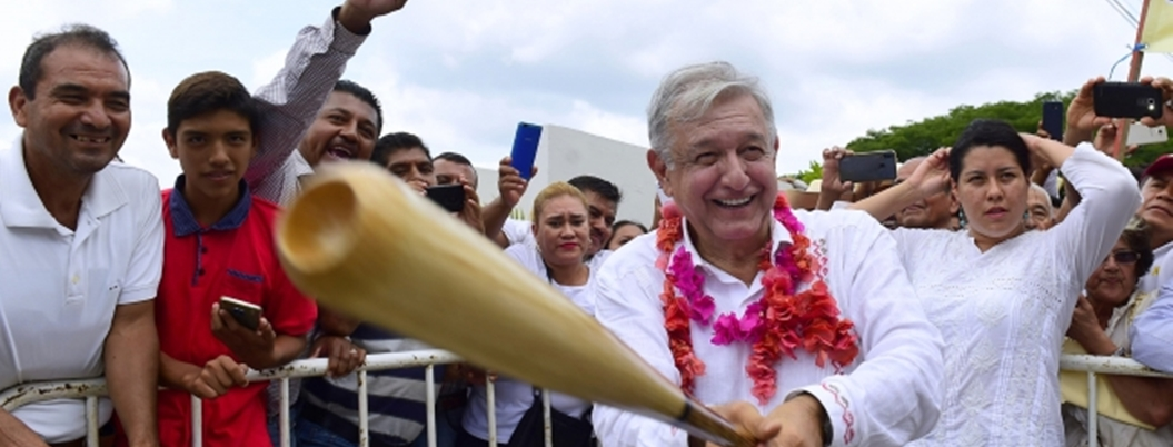 """""""Me angustia el poco tiempo que tengo para cambiar a México"""": AMLO"""