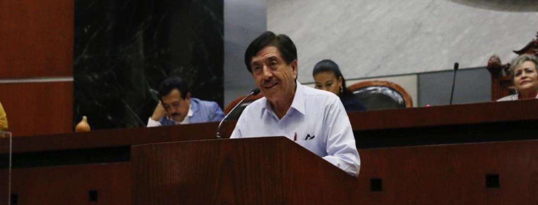 Antonio Helguera propone parlamento abierto para alentar transparencia