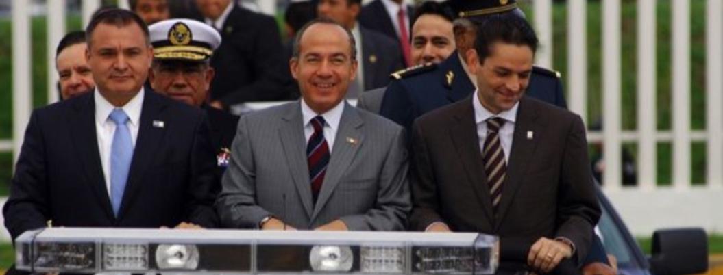 Policías federales le piden a Felipe Calderón que los represente