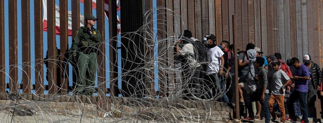Trump anuncia deportación masiva de migrantes; AMLO ni lo pela