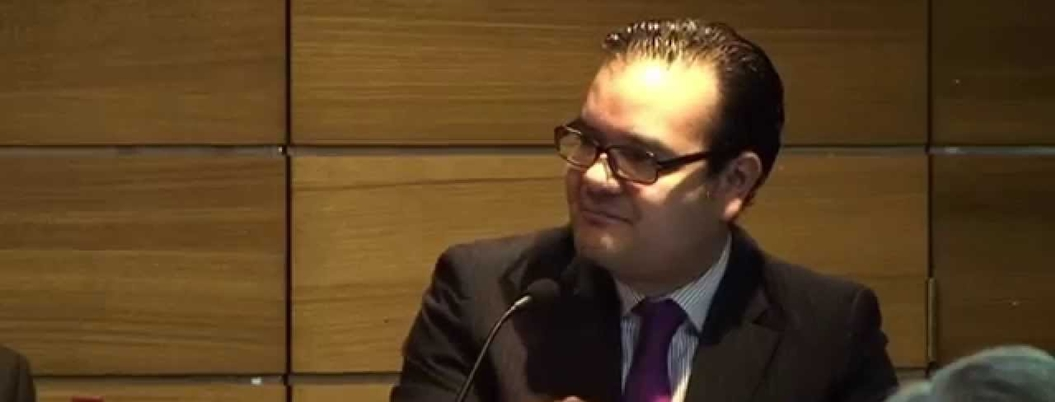 Enrique Carpizo ofrece ayuda legal a policías federales en rebelión