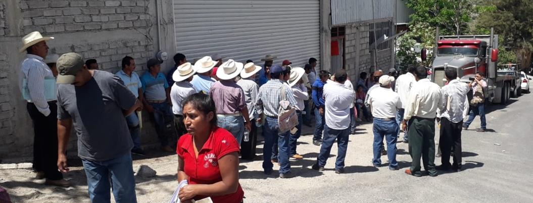 Campesinos toman bodega de fertilizante en Chilpancingo