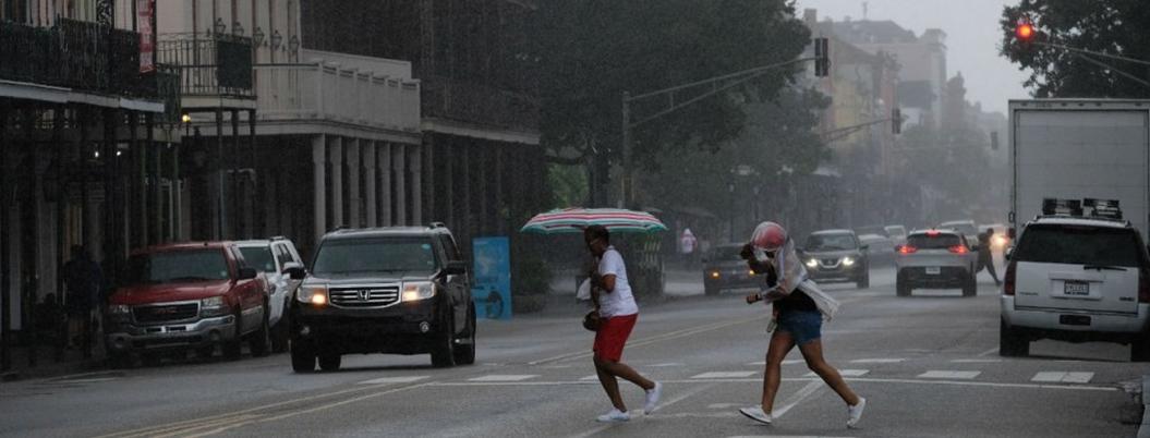 Huracán Barry toca tierra en Luisiana y se degrada a tormenta tropical