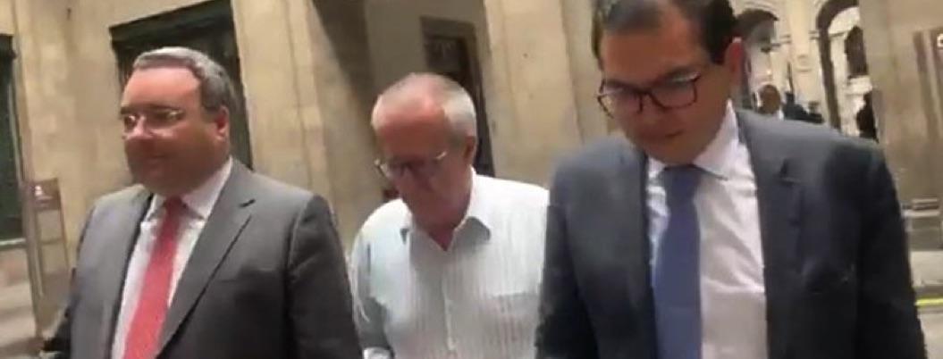 Carlos Urzúa en calidad de exsecretario visita Palacio Nacional