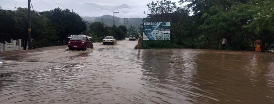 Lluvias en Xaltianguis provocan inundaciones y daños materiales