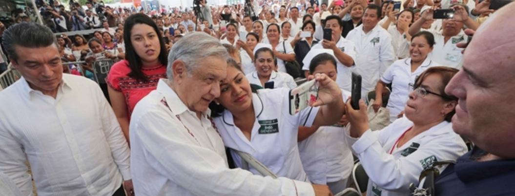 Obrador mantiene frente contra expertos económicos