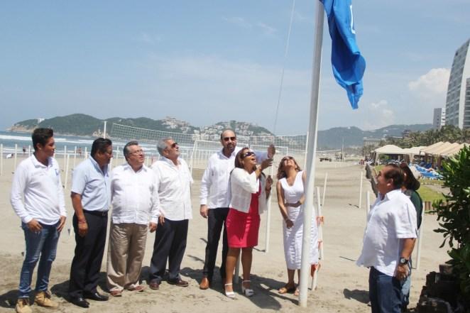 Blue Flag Playa Revolcadero 1