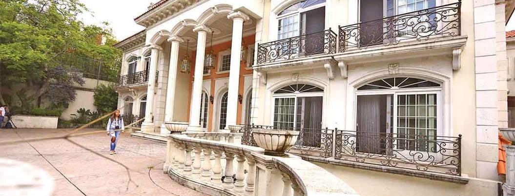 Vecinos piden a Bremer que casa de Zhenli sea para uso unifamiliar