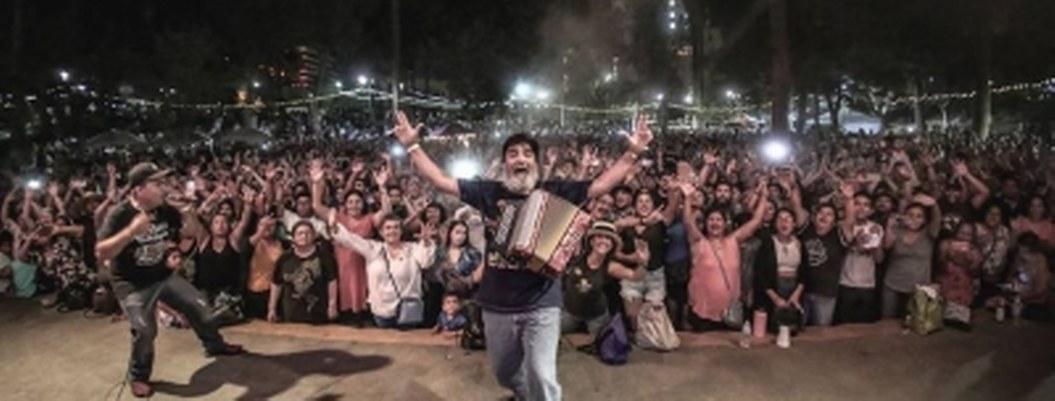 """Celso Piña: fans despiden al """"rebelde del acordeón"""" bailando"""