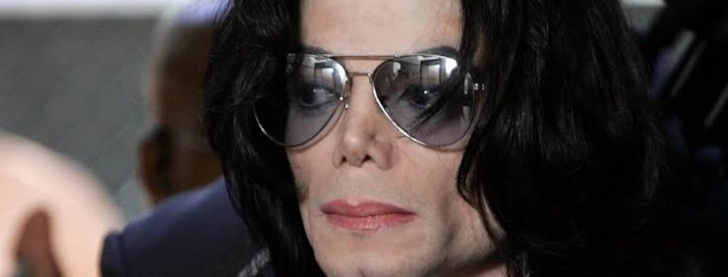 Documental revela que murió calvo y con varias cicatrices