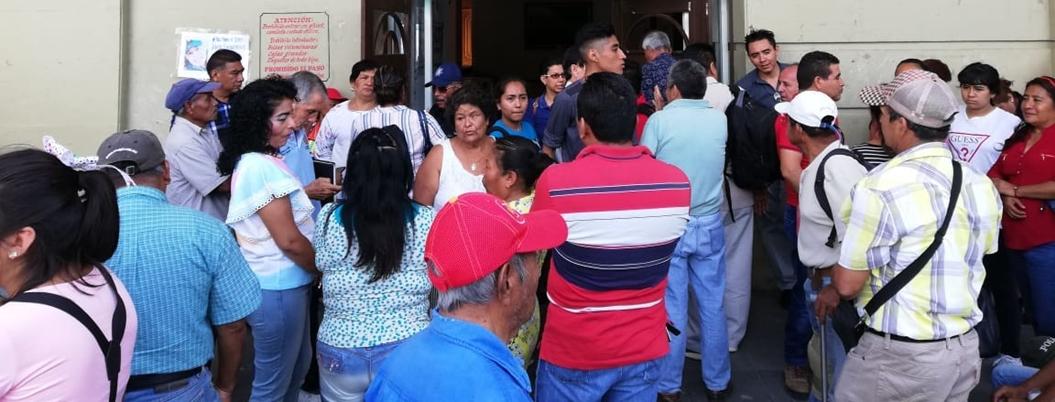 Suspeg toma ayuntamiento de Chilpancingo por salarios caídos
