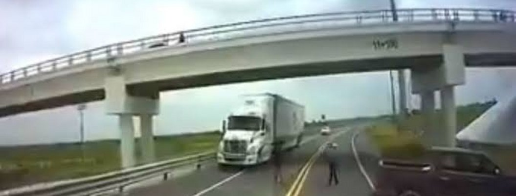 Cártel instala retén y asalta automovilistas en autopista de Tamaulipas