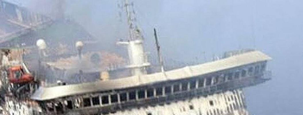 Ferry se incendia en Filipinas; mueren 3 entre ellos una bebé