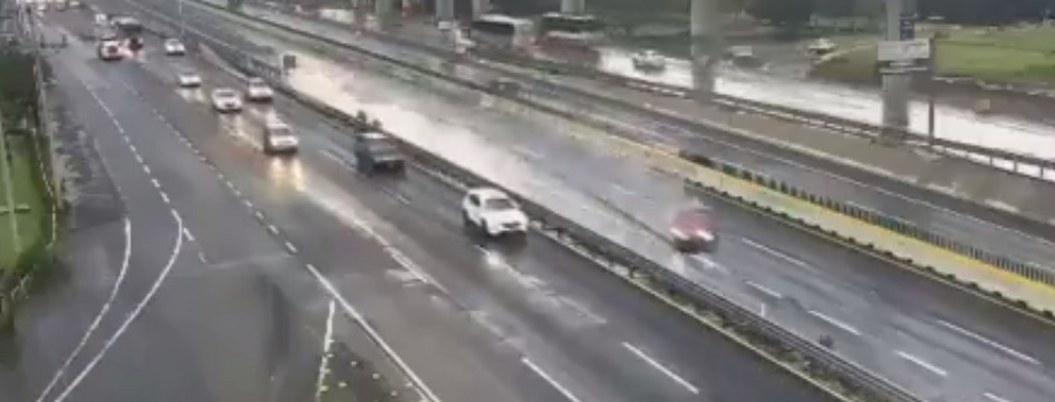 C5 capta volcadura de un auto en la autopista en la México-Toluca| VIDEO