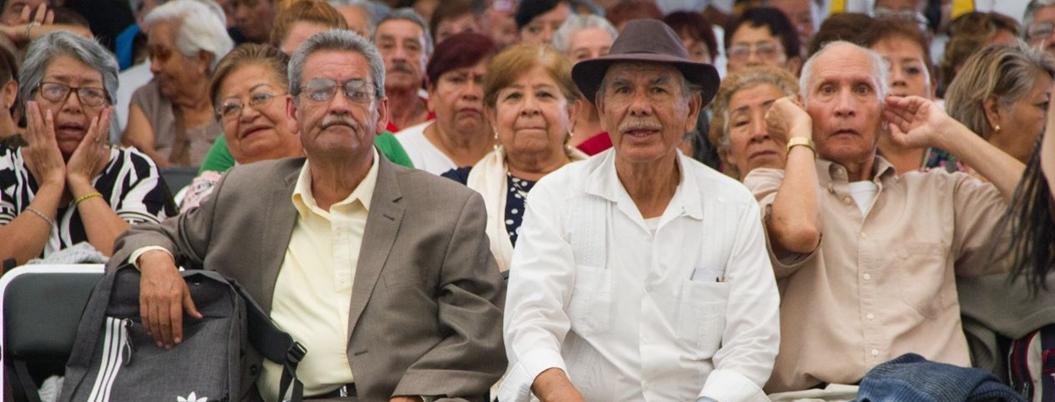 Atorados, 24 mil millones de pesos para pensiones de adultos mayores
