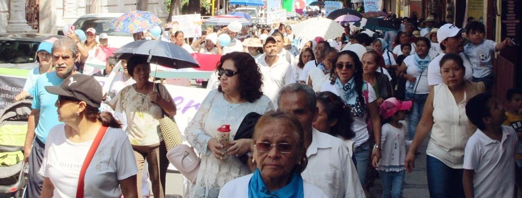 FNF marcha contra matrimonio igualitario y aborto en Chilpancingo