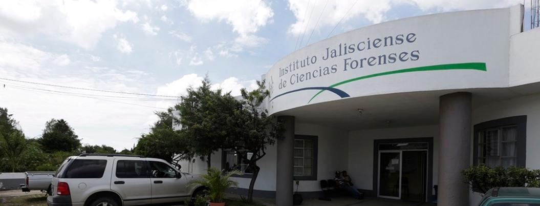 Familiares de víctimas piden a AMLO resolver crisis forense en Jalisco