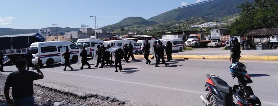Militares y policías desalojan a manifestantes en Petaquillas