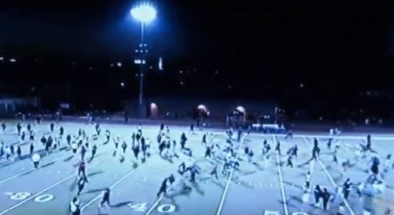 Tiroteo interrumpe partido de futbol americano; hay dos heridos