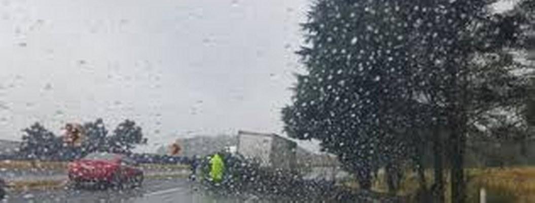 Autopistas México-Cuernavaca y Cuernavaca-Acapulco amanecen con lluvia