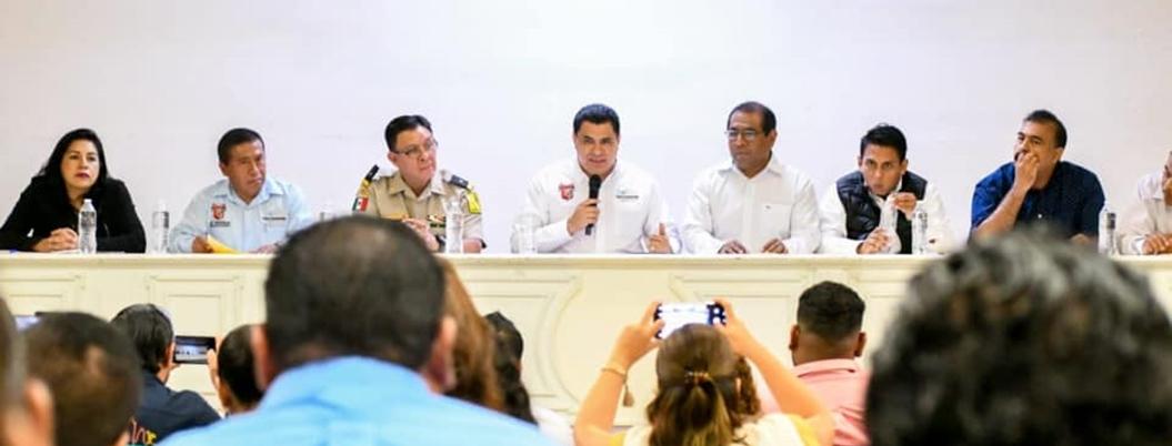 Gaspar lamenta que gobierno federal dejó plantados a alcaldes