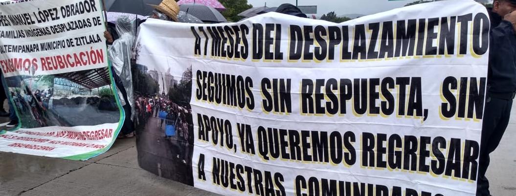 Desplazados reclaman a Astudillo haberles dado la espalda