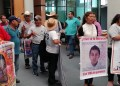 Padres de los 43 participan en el Congreso de Guerrero 10