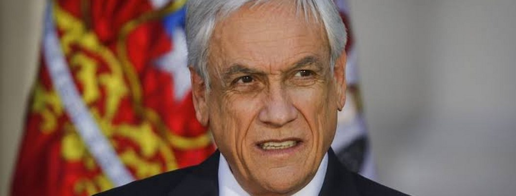 """Piñera anunció proyecto de ley """"antisaqueos"""" y """"antiencapuchados"""""""